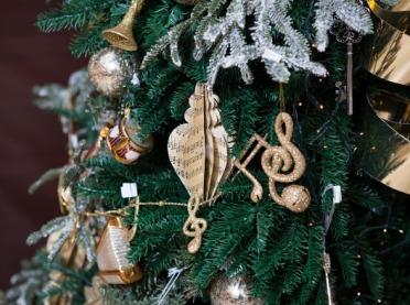 Choinka z Niemiec, kolędy ze starożytnego Rzymu, czyli słów kilka o zwyczajach bożonarodzeniowych