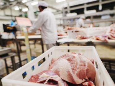 Trudny miesiąc dla branży wieprzowiny