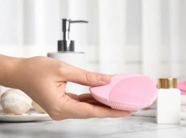 Kiedy najlepiej oczyszczać skórę? Weź pod uwagę fazy Księżyca!