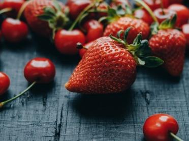 Naturalne kosmetyki z sezonowych owoców