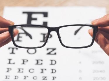 Kiedy oczy mówią, że potrzebują okularów