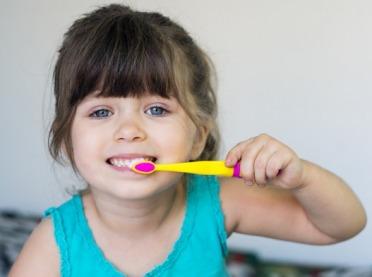Jak dbać o zęby małego dziecka?