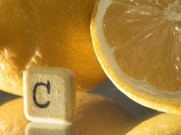 Stosowanie dużych dawek witaminy C wleczeniu chorób