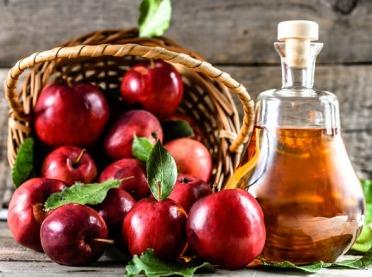 Jak zrobić domowy ocet jabłkowy? Poznaj jego niesamowite zastosowanie!
