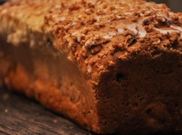 Puszyste ciasto drożdżowe z kruszonką - tradycyjna receptura