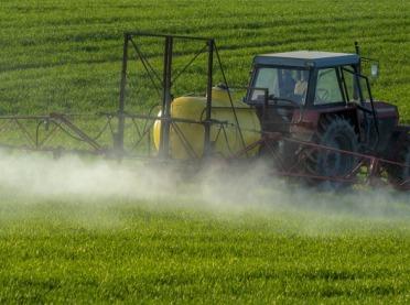 Objawy zatrucia pestycydami przy pracy w rolnictwie - pierwsza pomoc