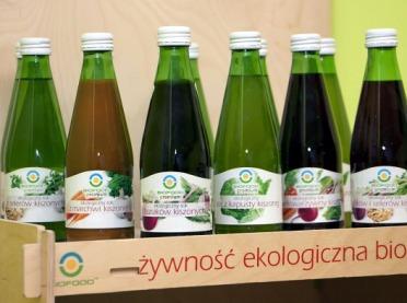 O zaletach ekologicznych soków kiszonych