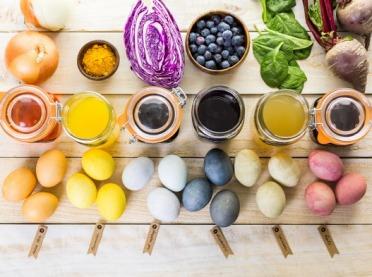 Naturalne barwniki do jajek, czyli pomysłowe ekopisanki
