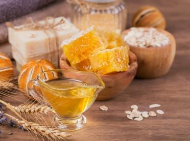 Propolis i wosk - najlepsze pszczele kosmetyki