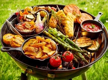 Jaki grill wybrać do ogrodu?