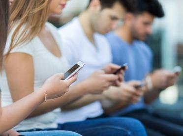 Czy smartfony zagrażają naszemu zdrowiu?