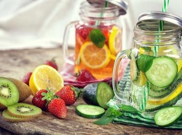 Jakie napoje będą najlepsze na upały?
