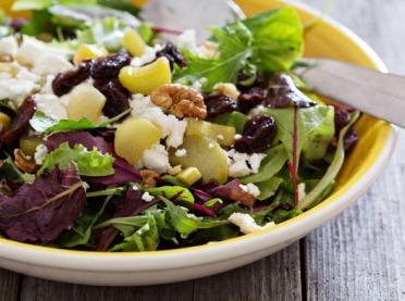5 pomysłów na zaskakujące dania z rabarbarem