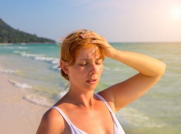 Udar słoneczny, przegrzanie, oparzenia - objawy i leczenie