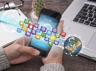 Dlaczego media społecznościowe nie powinny być jedyną drogą komunikacji z klientami?