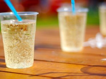 Jak gazowane napoje wpływają na zdrowie?