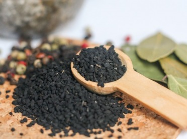 Czarnuszka - właściwości lecznicze i zastosowanie