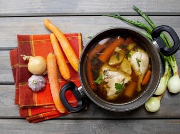 Jak wykorzystać warzywa i mięso z rosołu?