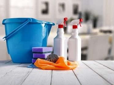 Uniwersalne domowe środki czystości. Zrób je sam!