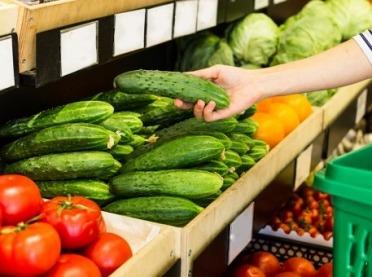 Które warzywa i owoce są najbardziej zanieczyszczone pestycydami?