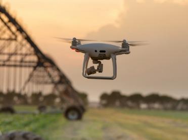 Dron - nowoczesny pomocnik rolnika