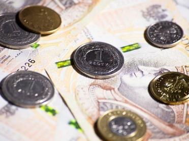 Czy pieniądze rządzą naszym życiem?