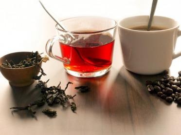Kawa i herbata - a co w składzie?