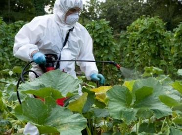 Ostrożnie ze środkami ochrony roślin!