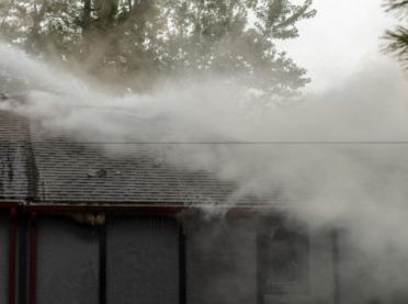 Pożar budynku rolniczego - jak zlikwidować szkodę?