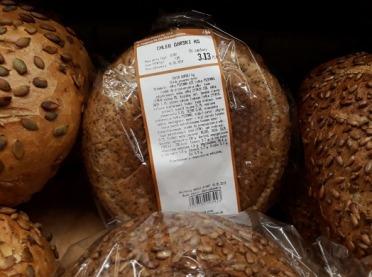 Chleb ciemny czy razowy? Czym się różnią?