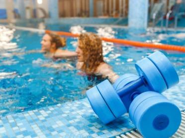 Zostaw kilogramy w wodzie – aqua aerobik