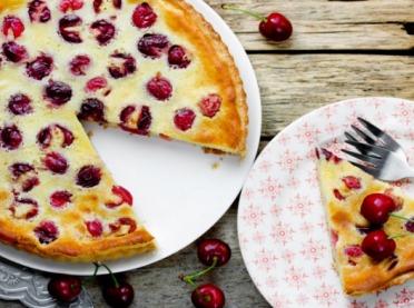 Ciasta z czereśniami - słodkie smaki czerwca