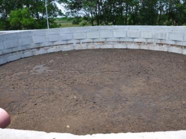 Budowa płyt obornikowych i zbiorników na gnojówkę - czy warto?