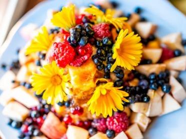 Nagietki i krewetki, czyli kwiaty jadalne w kuchni