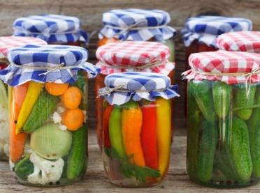 Kiszone warzywa i owoce - bomba witamin na zimę!