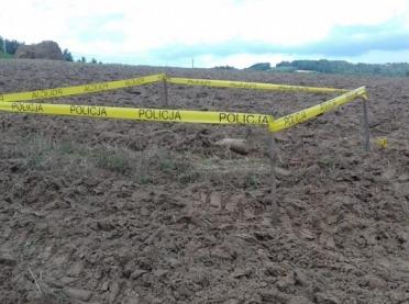 Czterdziestokilogramowy niewybuch znaleziony na polu