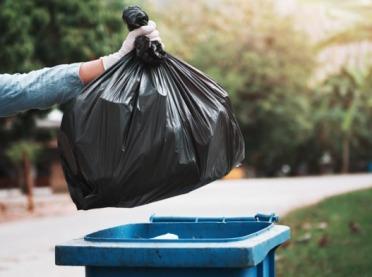 UOKiK sprawdził, jak i dlaczego drożeją śmieci