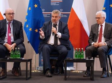 Minister Ardanowski rozmawiał z unijnym komisarzem ds. rolnych Philem Hoganem