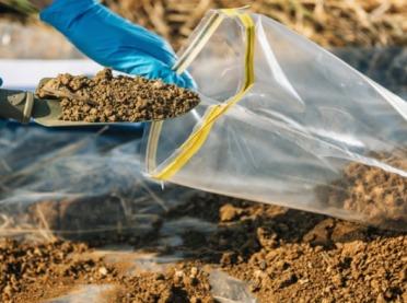 Badanie gleby - konieczne, by złożyć dokumenty o płatność środowiskową