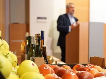 Minister Ardanowski o ważnej pozycji polskich jabłek i cydru
