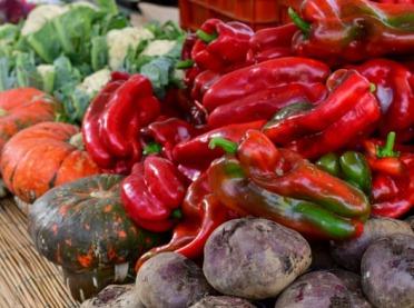 Na rynku jeszcze sporo krajowych warzyw spod osłon - jakie ceny?