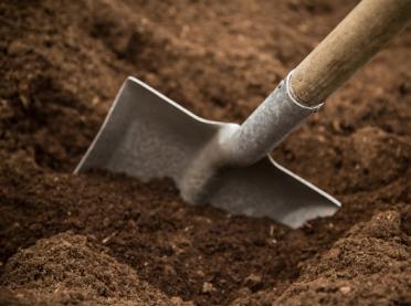 Pora zbadać jakość gleby - Krajowa Stacja Chemiczno-Rolnicza ostrzega przed fałszerzami