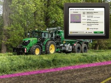 System AutoSetup firmy John Deere: Skonfiguruj swój ciągnik i narzędzie za pomocą jednego kliknięcia