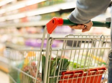 Coraz więcej żywności kupujemy w marketach