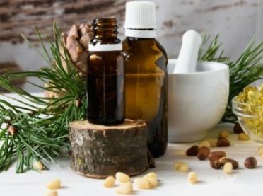Właściwości i zastosowanie olejku cedrowego