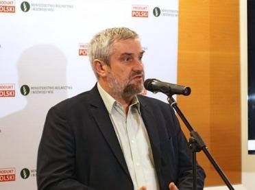 """Minister Ardanowski odpowiada ekologom: """"Nie jesteśmy wrogami świata"""""""