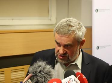 Minister Ardanowski o odstrzale dzików: apeluję do myśliwych, aby nie szukali pretekstu, żeby nie polować