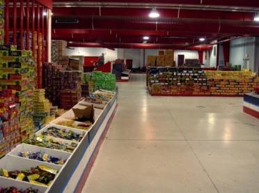W sklepach w całej Polsce trwają kontrole fajerwerków