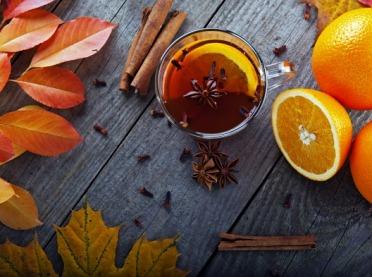 Rozgrzewające i aromatyczne jesienne herbaty - jak przygotować?