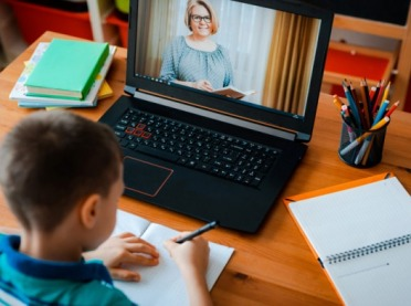 Samorządy mogą wnioskować o pieniądze na laptopy i internet dla szkół